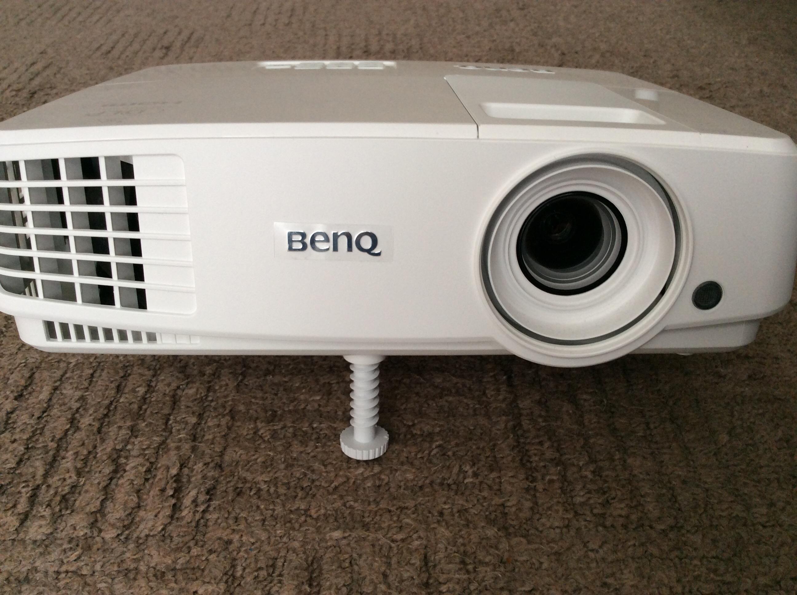 家用プロジェクターの選び方と低価格でおすすめの機種 BenQ TW529(MW533)の使用感想